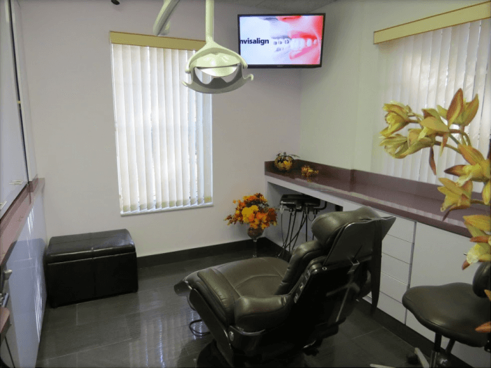 Sunny Dental of Wilton Manors Office